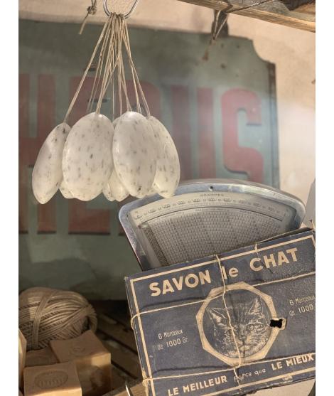 Savon Galet exfoliant au Lavandin